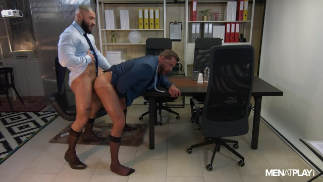 Gay men play Fucking a colleague on a late night shift