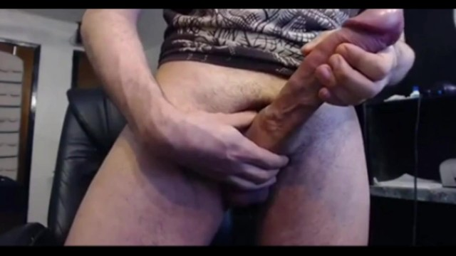 O maior penis do mundo The biggest dick in the world cums