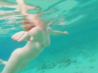 Curvy Pale Big Natural Tits Ginger Redhead Teen Swimming Naked & Pee in Sea