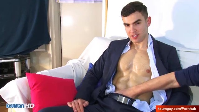 Gay muscle hunks - Outbreak : in porn in spite of himself needs money: alex