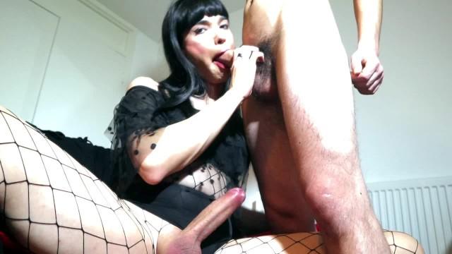 Isaeli big blowjob Crossdresser with big dick loves tasting macho cock