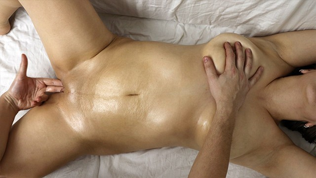 Picture of most common vagina - If masseur inserted his fingers into the vagina with oil sanyany massage