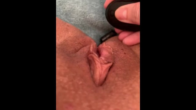Bullet vibrator 9v Lexylu and the vibrating bullet up her ass