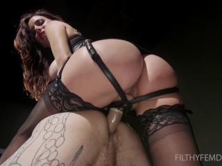 Kinky joi: gia dimarcos anal slave