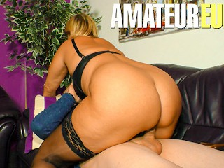 XXX Omas – Mature MILF With Young Man In Bedroom – AmateurEuro