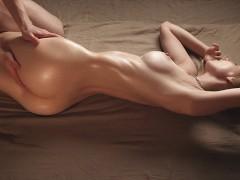 Amazing Body Babe Gets a Deep Creampie - Beautiful Amateur Sex