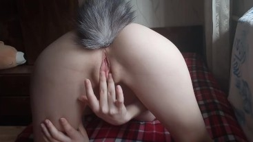Teen girl with foxtail decided to jerk