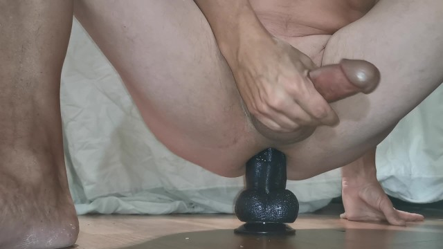 B sup tits - Fucking my big suction cup dildo and cumming