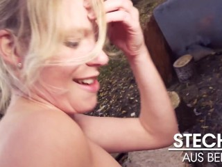 Claudia Swea! Naked Drive in Rush Hour & OUTDOOR FUCK! Berlin Banger