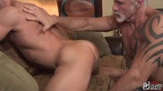 Pornos - Hot Older Male Przystojniak Dno Mięśni Sir Jet Fucked Przez Tatusia Dallas Steele