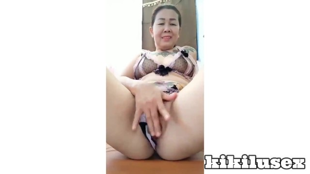 Apart leg nude pussy show tied woman - Thai mature women is showing her pussy to the costumer 2020