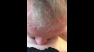 I LET MY DADS FRIEND EAT MY FAT PUSSY TIL I CUM IN HIS MOUTH
