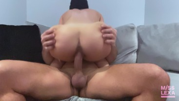"""Step-Sister just wants to """"Netflix-and-FUCK"""""""