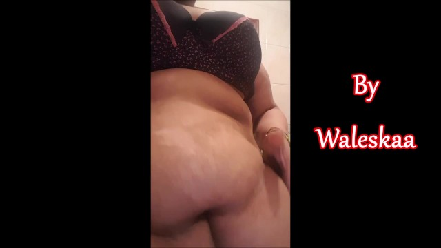 Bbw tummy button Huge belly and deep belly button with spit bath