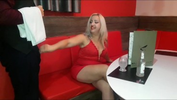 MARRIED BLONDE FUCKING IN THE RESTAURANT