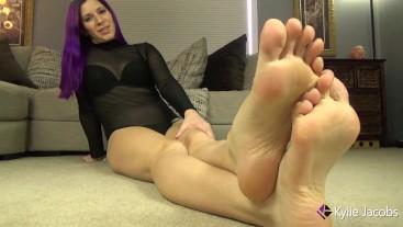 Barefoot Jerk Off Instruction