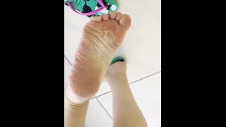 Porno Gratis - Tici_Feet Ig Tici Pies Tici_Feet Mostrando Mis Plantas Usando Havaianas