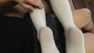 Xxx порно - Сексуальная Подошва Ноги Фетиш Девушка В Школьной Форме Белые Гольфы