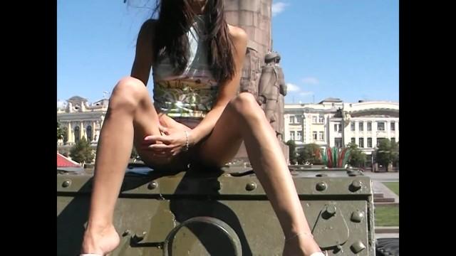 Tamiya vintage tank - Pablic peeng on tank