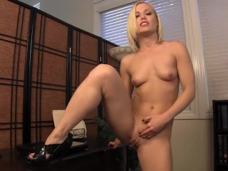 Dad, I 'm not much of an office worker. Ash Hollywood - Taboo Handjobs