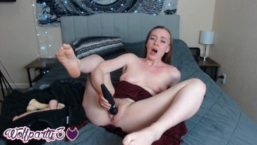 Amateur Dahlia Wolf Loves Moaning and Cumming for Alex