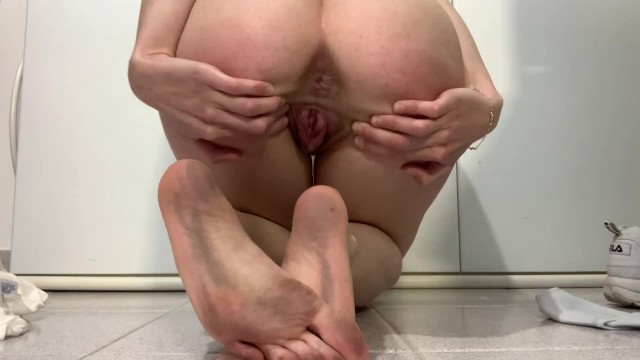 Asian spreading pink anal - Sneakers, white socks, dirty soles, pussy spread feet and anal show trailer