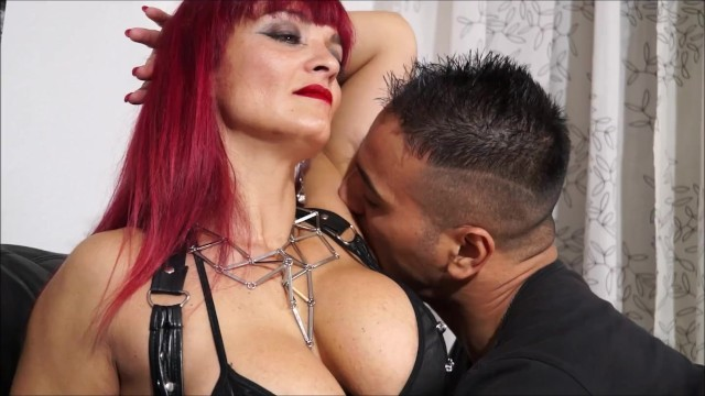 Italian mistress escort - Sheri taliani with mia marin in kingdom of mary rider