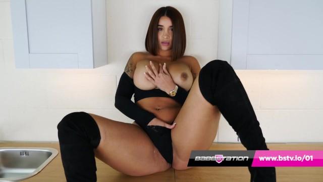 Priya rai fuck British asian priya young plays with pussy in tartan miniskirt