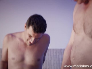 MARISKAX MILF Valentina Babe gangbanged in a hot tub