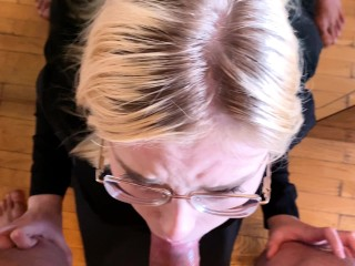 Pretty girl suck dick in front of the mirror