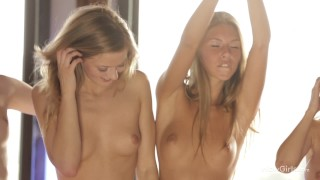 WOWGIRLS HOTTEST Six stunning girls in amazing lesbian party.