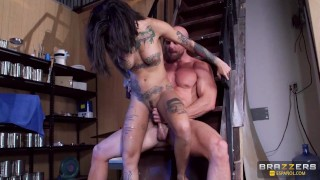 Brazzers - Johnny Sins Dominates Bonnie Rottens Sexy Ass