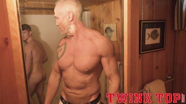 Hot hung gay - Twinktop - hung twink stud fucks older silver muscle daddy bareback
