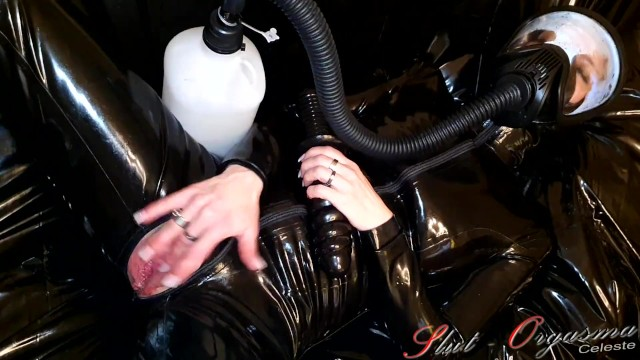Latex dog dildo - Slave slut-orgasma celeste in latex i love the smell of piss
