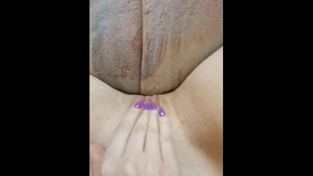 Naked mole ratl Masturbating pussy. female masturbation solo. quarantined houses. wet pussy
