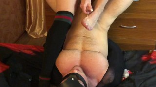 POWERFUL CUM FROM THE SMELL OF HER FEET