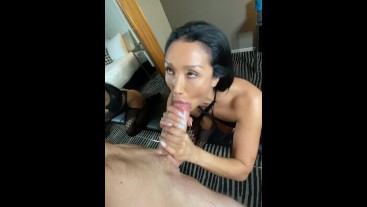 Sucking on my fans big delicious dick!!