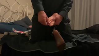 จั๊กจี้ แฟนสาว เล็ก กักขัง ฟุต ใน pantyhose แล้ว เปล่า ฟุต