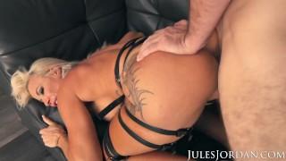 Jules Jordan – Busty MILF Robbin Banx Gets Maximum Penetration