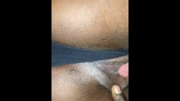 PUSSY AND CLIT LICKING, REAL WEEEET ORGASM ((MUST WATCH))