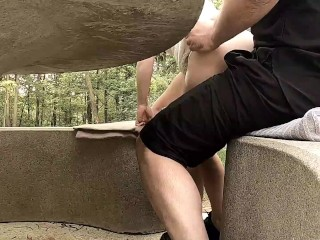 Lilimini – Discreet little bang in a public park
