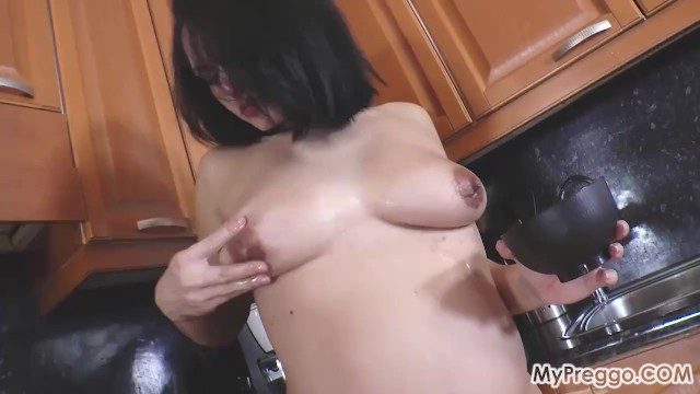 Knocked lesbian up Knocked-up and masturbating on the kitchen counter