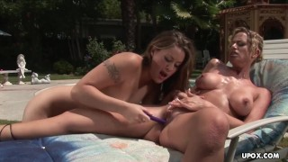 Kylie G Worthy is having an exciting lesbian experience