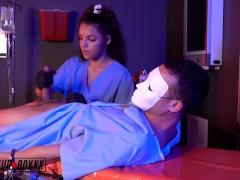 หนังโป๊ฝรั่ง พยาบาลขย่มตอ