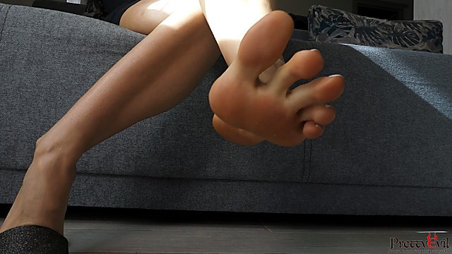 Daily asian girls She plays flip flops and does footjob with cum shot on her perfect soles