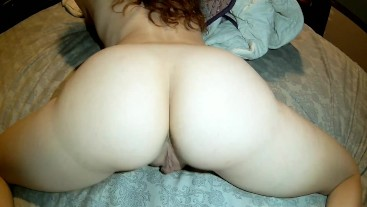 My bestfriends pawg girlfriend shows me her ass while he is at work!