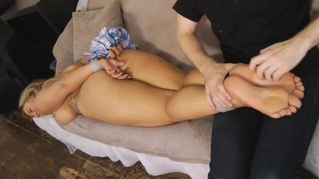 Naked bbw uk Beth naked and barefeet tickled
