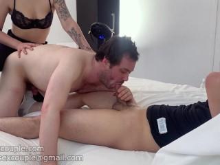 Cuckold bisex pompinaro sodomizzato dalla moglie e dal bull