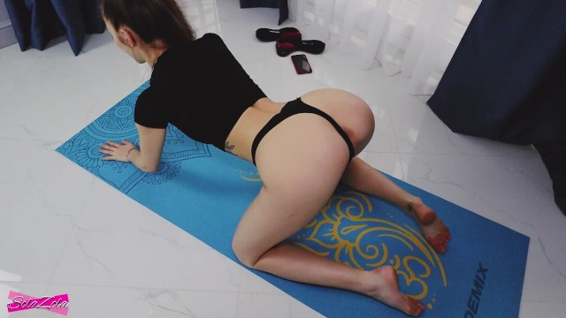 Rash on stomach and breasts - Yoga ended with a cumshot on the stomach - solazola