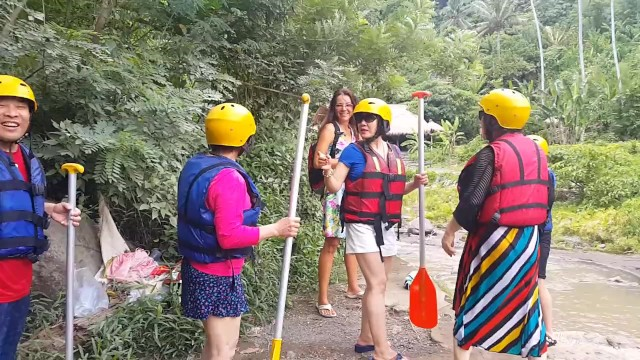 Girls rafting naked Pussy flashing at rafting spot among chinese tourists public no panties
